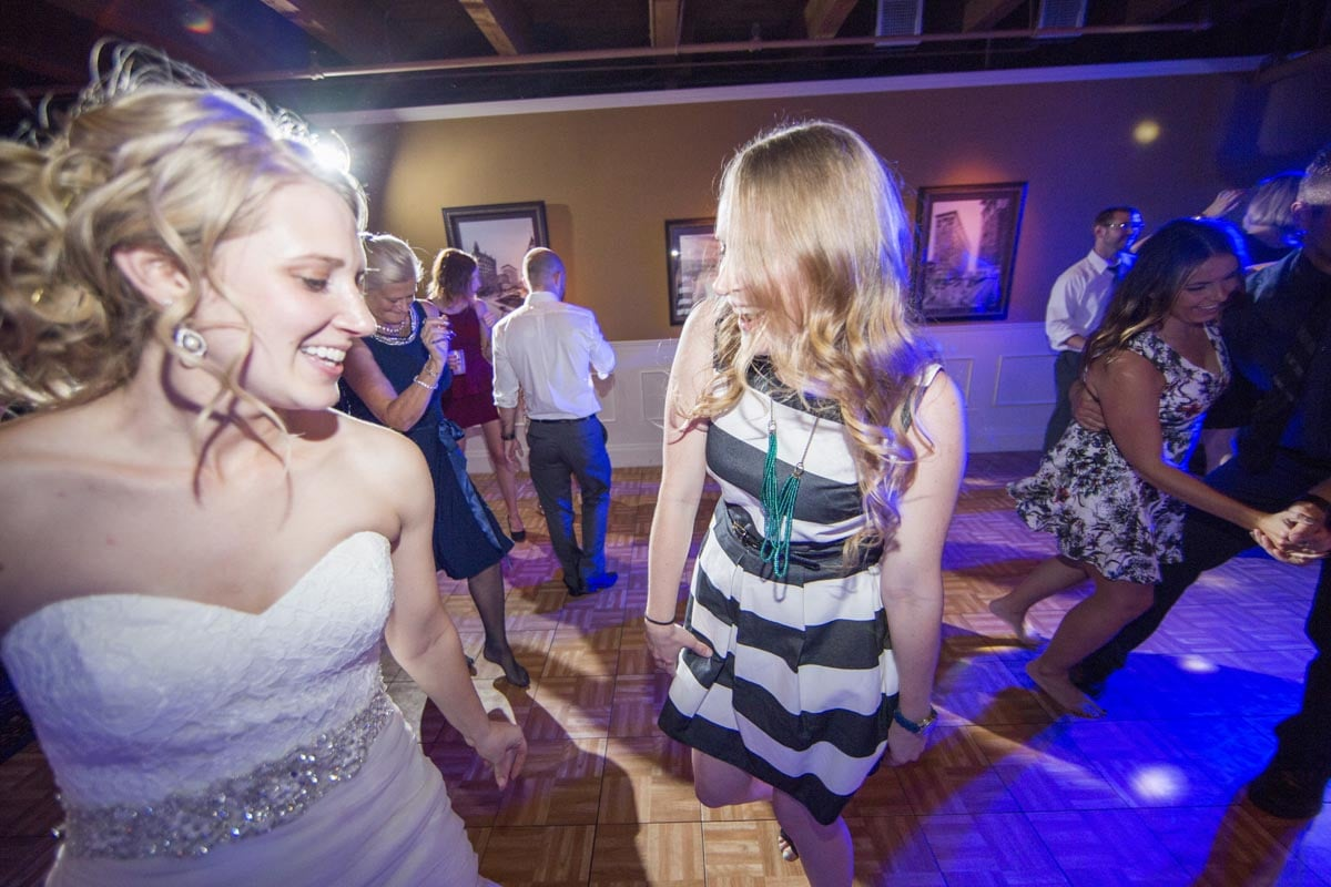 wedding-djs-minneapolis-jeannine-emilysean-10941.jpg